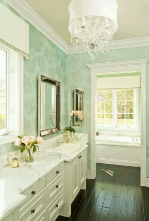 ann-written-notes-mint-green-bathroom