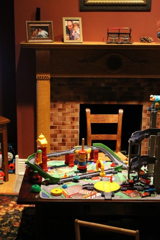 ann-ueno-designs-family-room