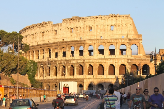 colosseum-by-day
