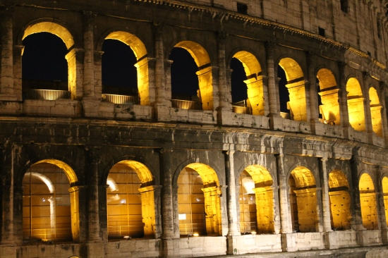 colosseum-by-night-2